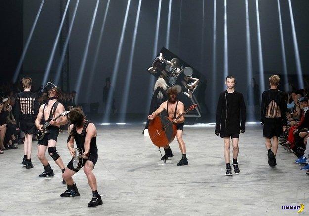 Модный показ в Париже
