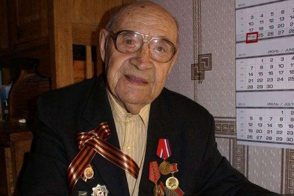 В Ульяновске на 104-м году жизни скончался старейший токарь Земли