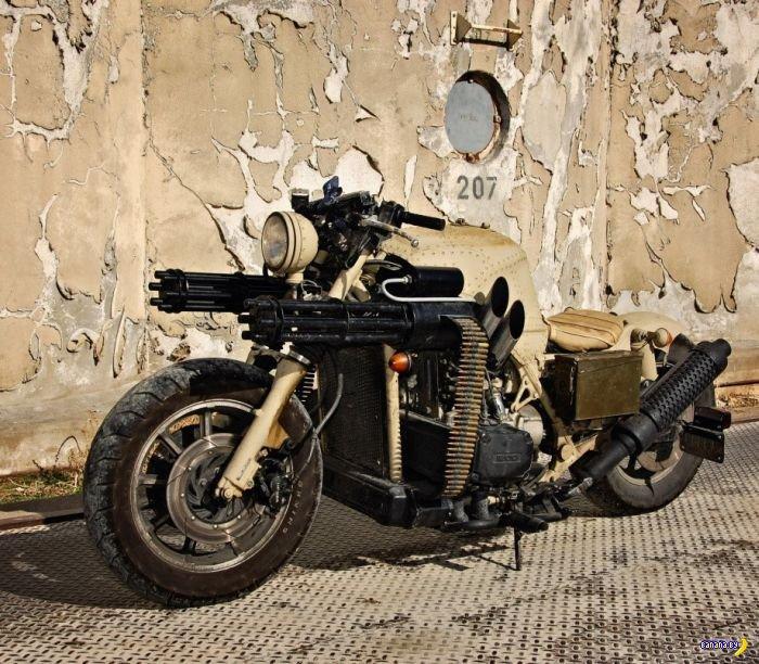 Боевой мотоцикл для борьбы с ордами зомби