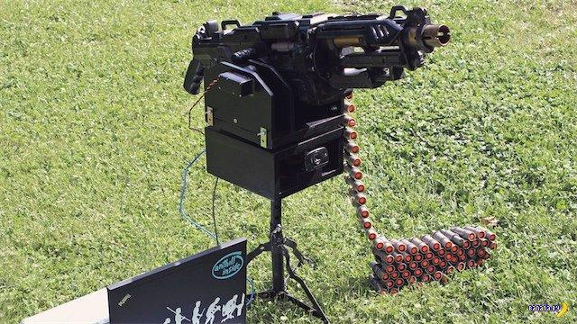 Охранный робот на базе NERF-пулемета