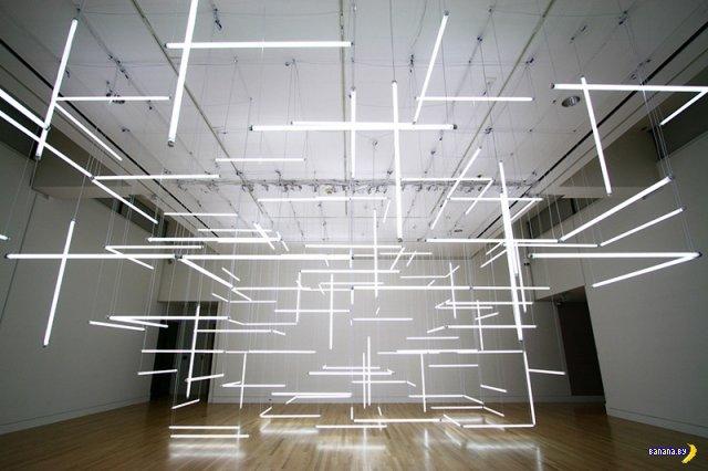Геометрический лабиринт из ламп