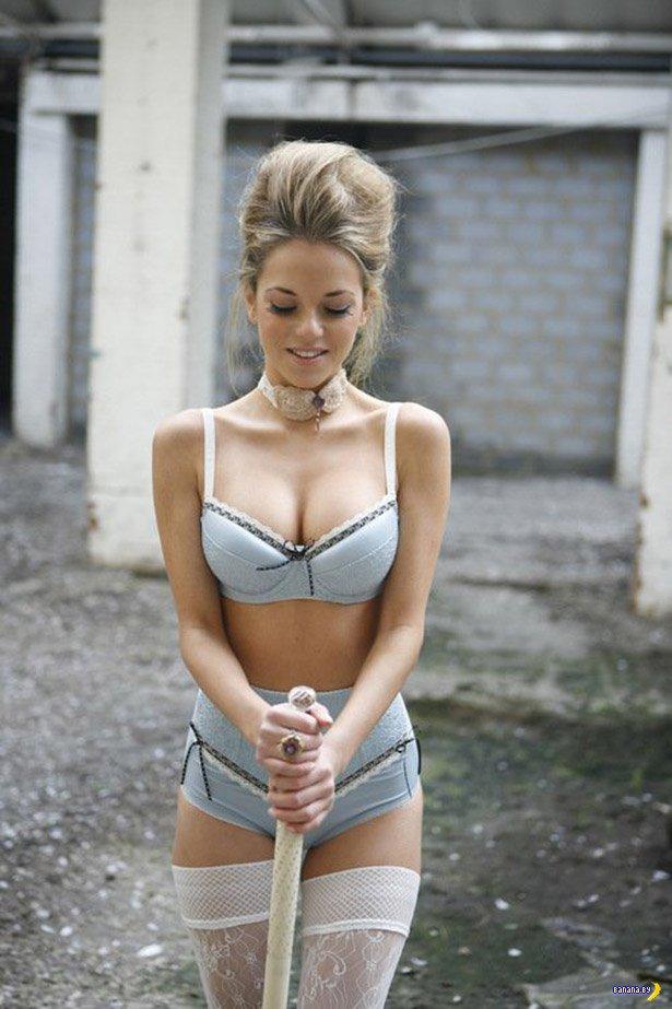 Красивые девушки в нижнем белье  - 16