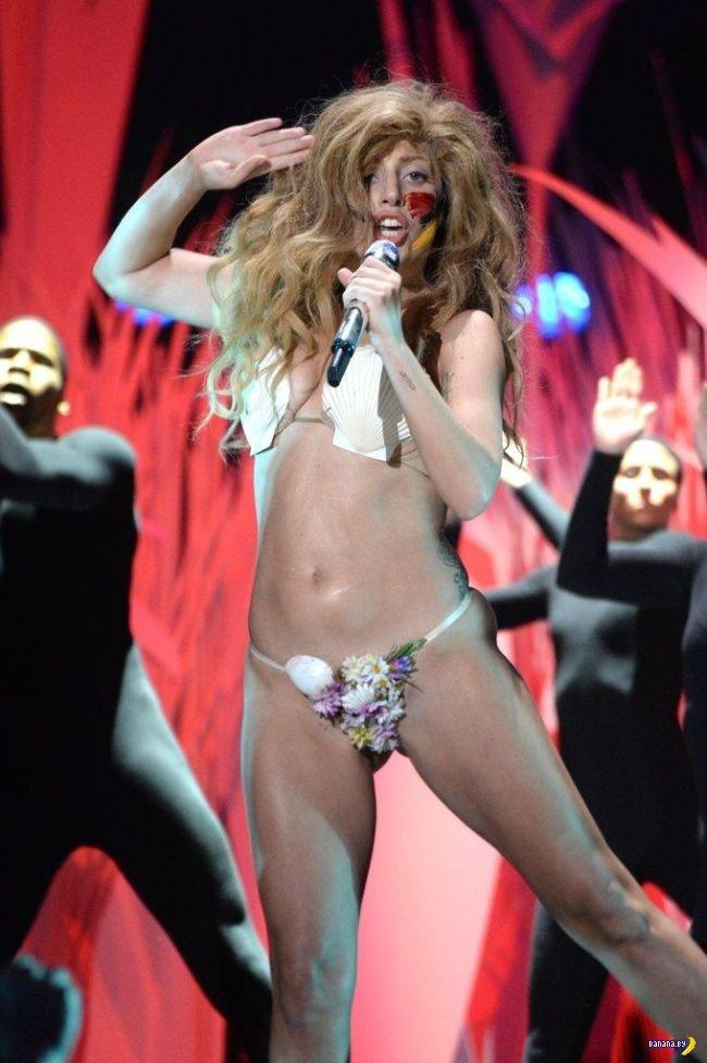 Леди Гага на MTV VMA 2013