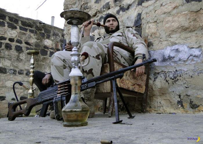 Сирийские повстанцы на отдыхе