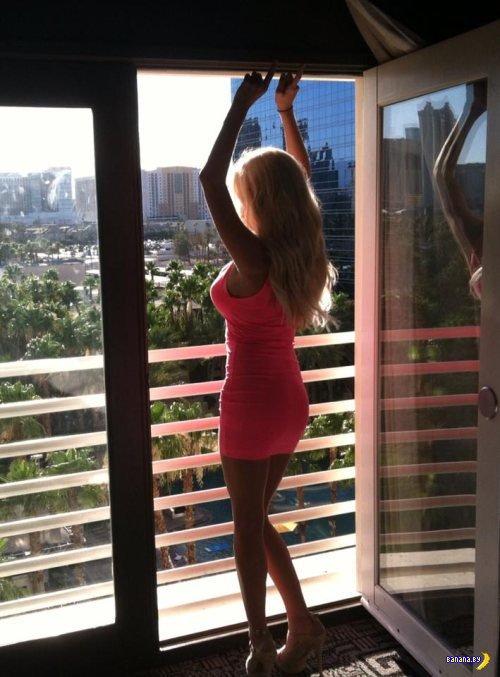 Красивые девушки в обтягивающих платьях - 3