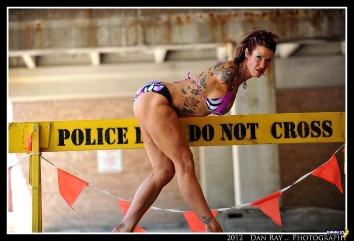 Безрукая женщина-бодибилдер