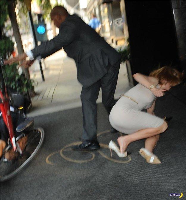 Николь Кидман атакована велосипедистом