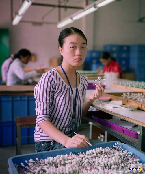 Трудовые будни - китайская фабрика игрушек