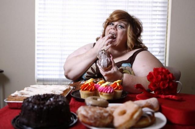 Американка возбуждается от еды