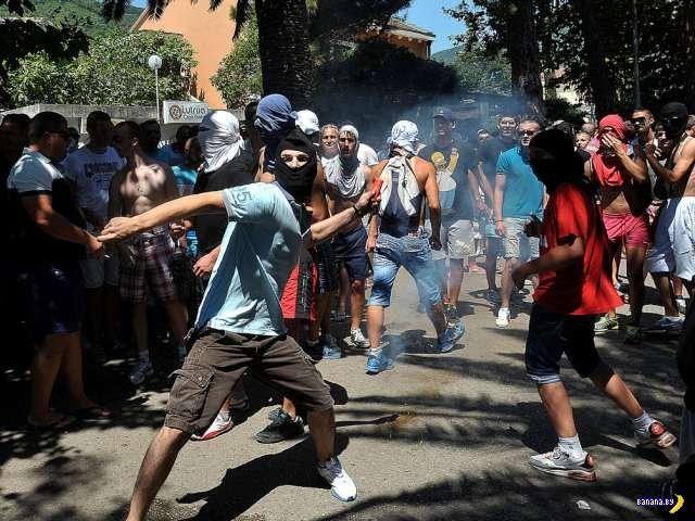 Первый гей парад в столице Черногории закончился погромом