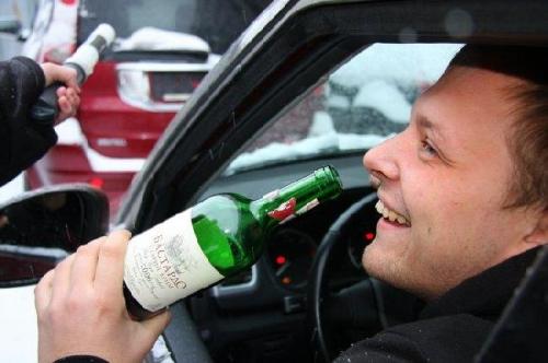 Теперь у пьяных водителей начали забирать авто