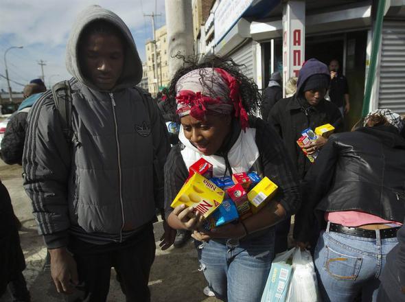 Зачем Америка плодит у себя нищету?