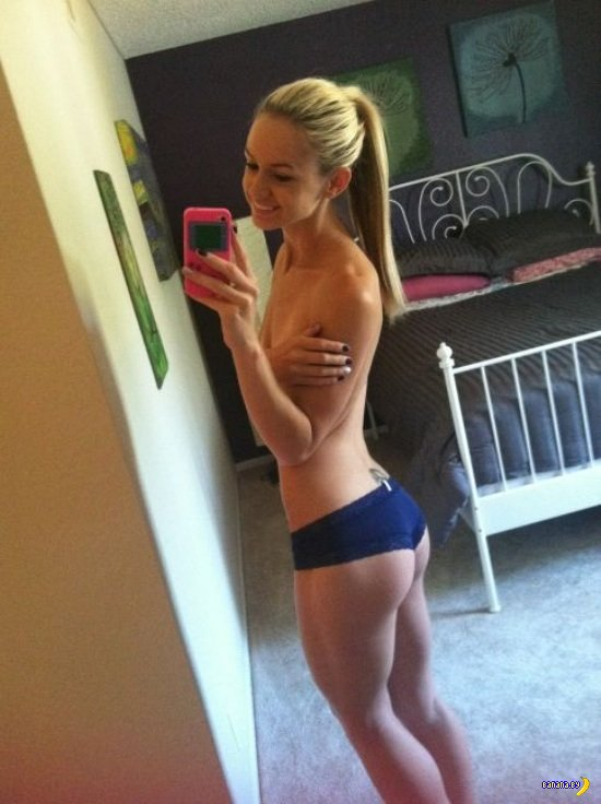 Cute blonde girl Bri Skies takes selfies while she exposes her horny body № 1553470 загрузить