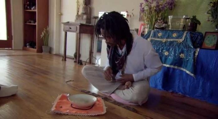 Предсказатель возродил старинное искусство гадания на фекалиях