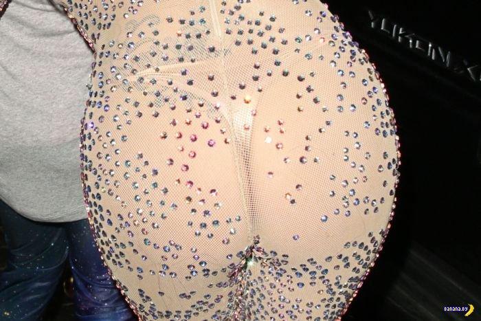 Леди Гага и её блестящая попа