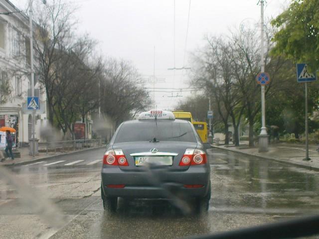 Mercedes уличен в плагиате - первые фото новейшего седана GeelyWagen