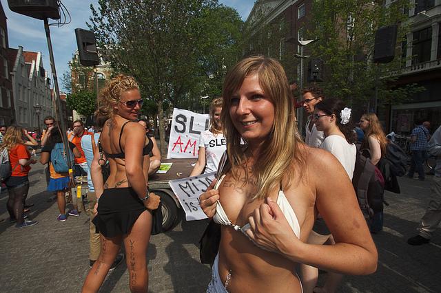 пенсионный возраст для проституток в голландии