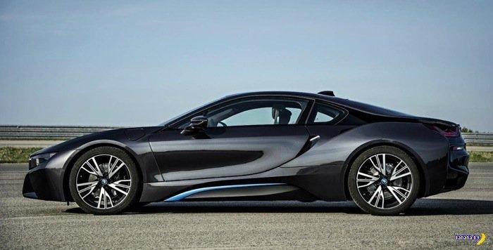 BMW i8 и удивительный ключ-брелок