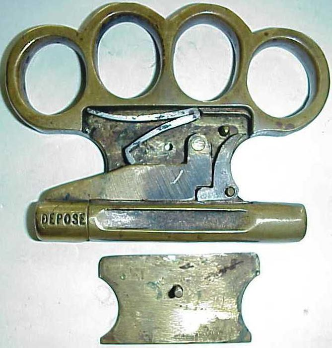 Винтажный стреляющий кастет