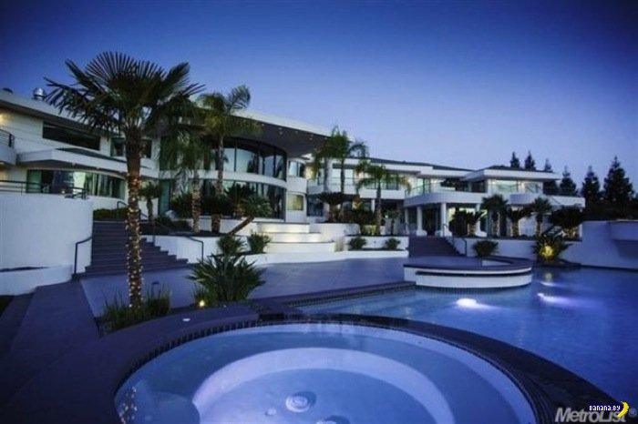 Дом Эдди Мерфи выставлен на продажу