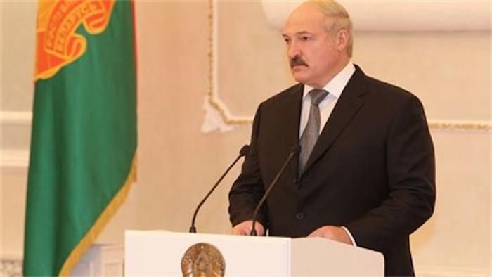 Лукашенко: даже 15-процентной девальвации рубля не будет
