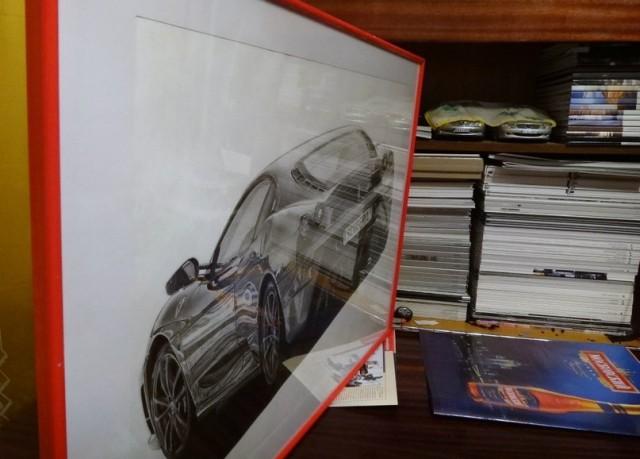 Карандаш, бумага, руки