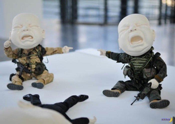Ироничные скульптуры Джонсона Цана