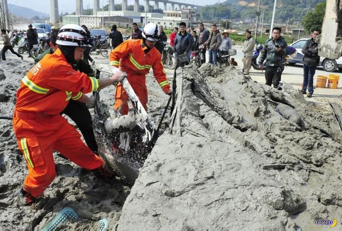 Китаянка и бетон