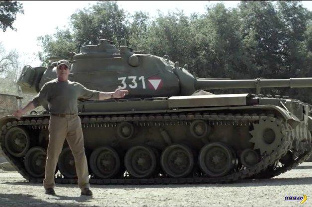 Шварценеггер на танке зарабатывает на благотворительность