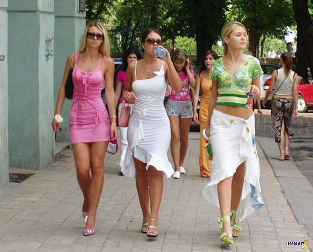 Весенние девушки
