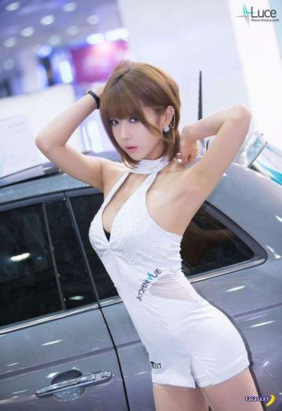 Девушки с Сеульского Автосалона
