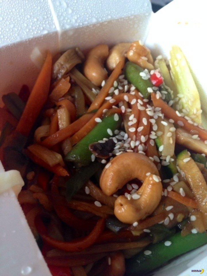 Чем кормит wok.by?
