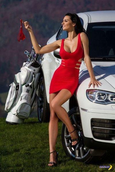 Красивые девушки в обтягивающих платьях - 8