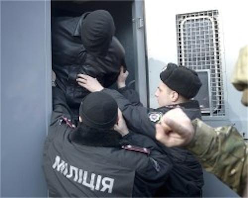 На Украине задержаны стрелявшие по Майдану снайперы
