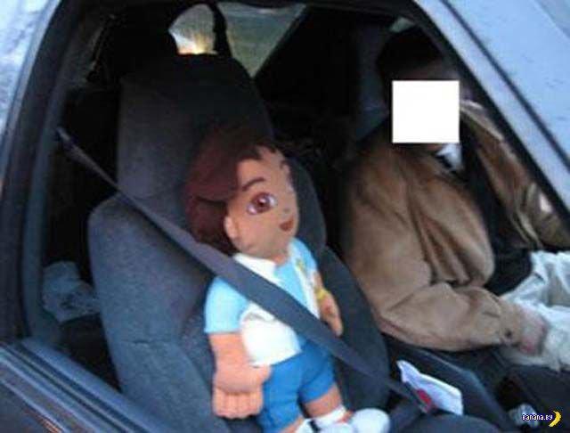 Зачем люди возят кукол на пассажирских сидениях?