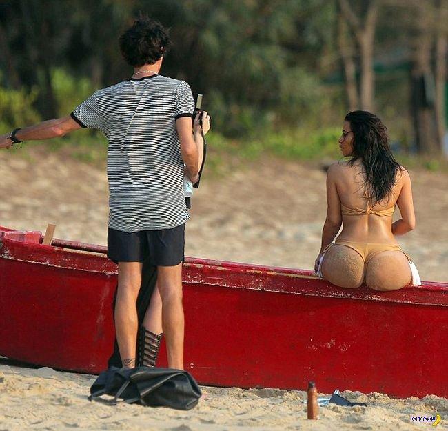 Пляжная попа Ким Кардашян