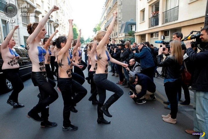FEMEN ходит по Европе