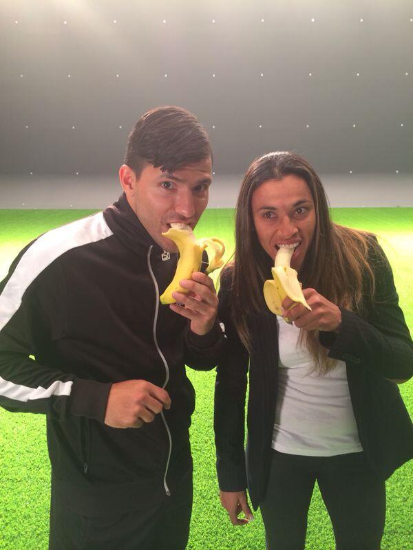 Бананы против расизма