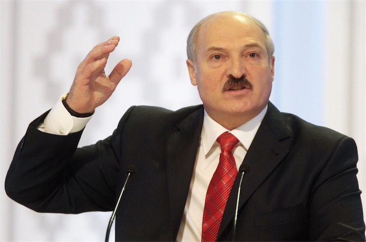 Лукашенко: мне предлагают провести девальвацию в 20%