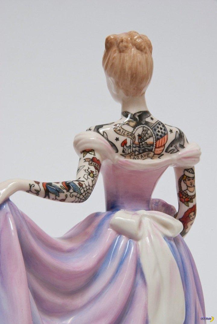 Фарфоровые тётки с татуировками