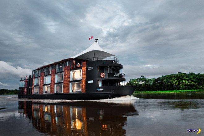 Роскошные круизы по Припяти на кораблике