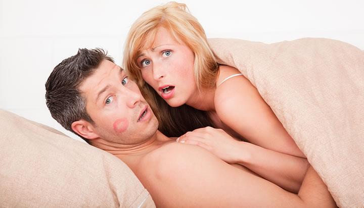 14% мужчин не считают секс с проституткой изменой