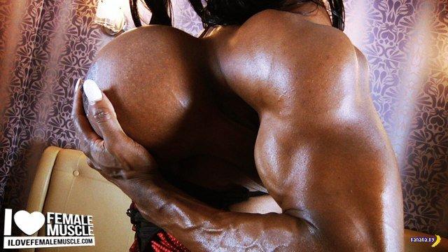 Мышцы и ужасы от Иветт Бова