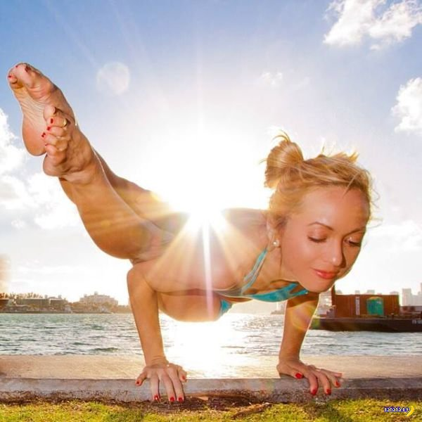 Йога и инструктор