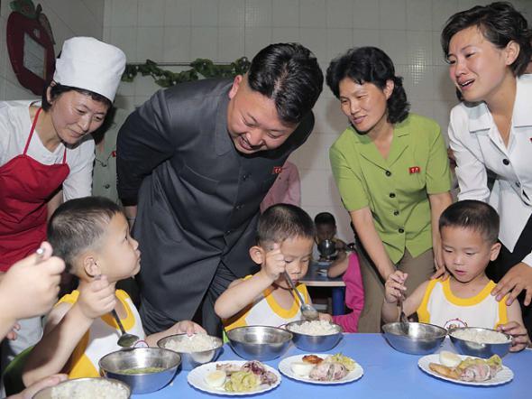 """В недоедающей Северной Корее уменьшили дневную норму пищи - """"скудный сезон"""""""