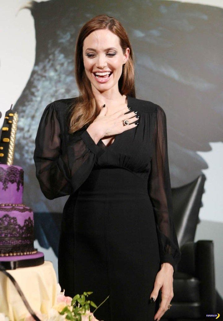 Анджелина Джоли в порядке!