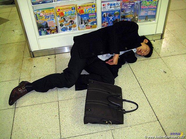 Пьянство японского офисного планктона