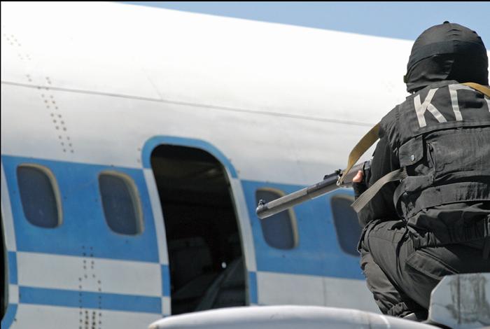 """Подробности попытки угона самолета """"Белавии"""""""
