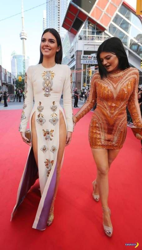 Кендалл Дженнер и её смелое платье