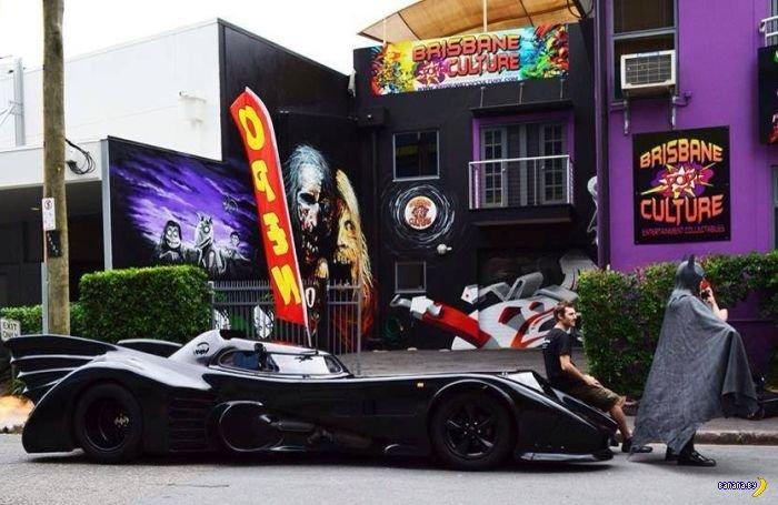 Бэтмобиль всем на зависть